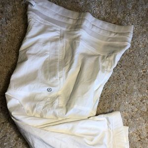Lululemon Dance Studio Crop Pant 2 White Lined